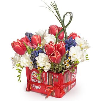 Букет С 8 марта!: Тюльпаны и фрезии